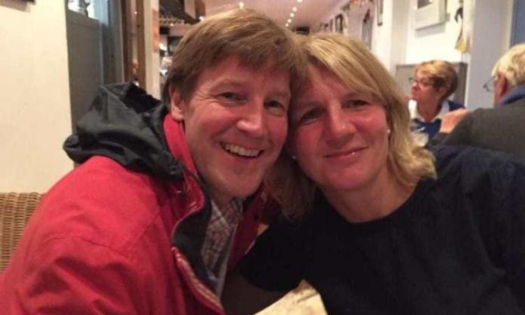 Daren Bland (trái) và vợ Sarah Bland. Ảnh: Telegraph.
