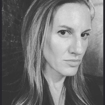 Jessica Lustig, biên tập viên tờ New York Times, ở thành phố New York. Ảnh: Jessica Lustig/Twitter.