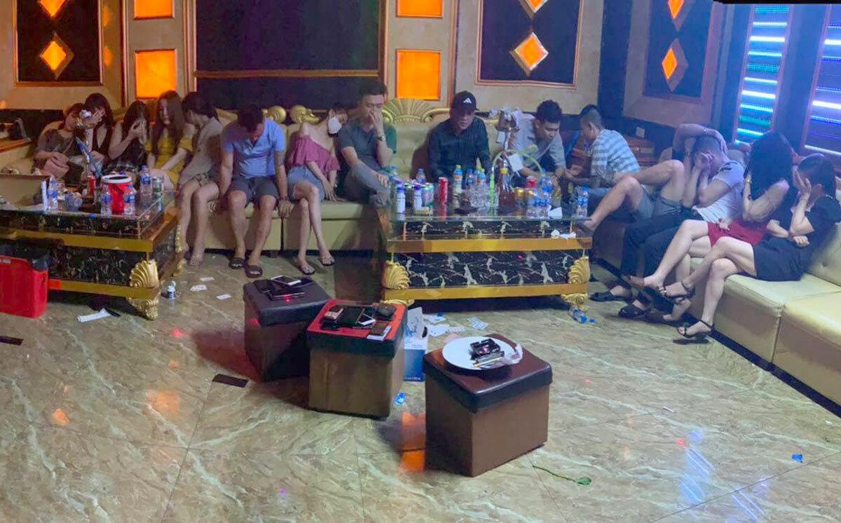 75 người tham gia tiệc ma túy trong khách sạn