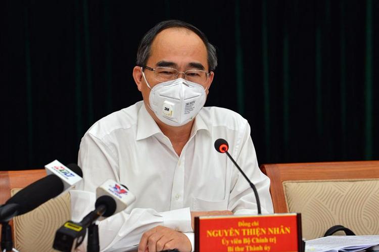 Ông Nguyễn Thiện Nhân phát biểu tại cuộc họp chiều 26/3. Ảnh: Trung tâm Báo chí TP HCM.