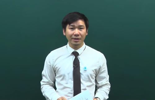 Thầy Nguyễn Phi Hùng tư vấn cách lập kế hoạch học tập tại nhà cho học sinh cuối cấp.