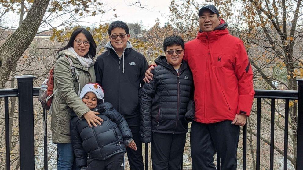 Gia đình Rebecca Wen. Ảnh: Rebecca Wen.