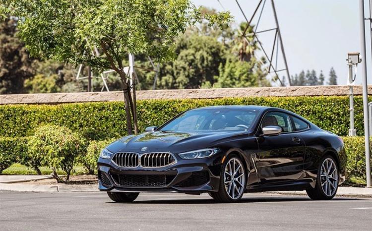 BMW series 8 Coupe trong sân một đại lý ở California, tháng 8/2019. Ảnh: BMW Fresno