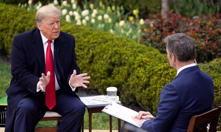 Tổng thống Mỹ trả lời phỏng vấn Fox News tại Nhà Trắng ngày 24/3. Ảnh:AP.