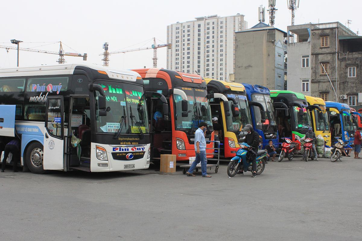 Hạn chế xe khách liên tỉnh từ Hà Nội, TP HCM