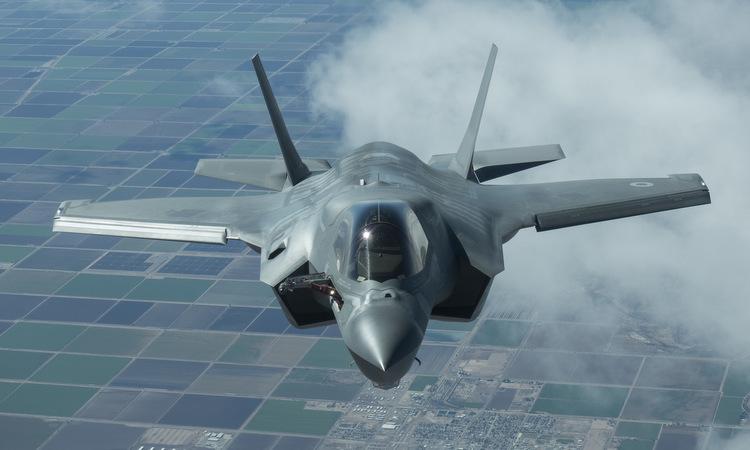 Tiêm kích F-35 thử nghiệm tại căn cứ Edwards năm 2017. Ảnh: Lockheed Martin.
