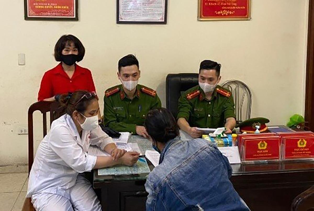 Ban chỉ đạo Phòng chống dịch ra quyết định xử phạt. Ảnh: Minh Huế.