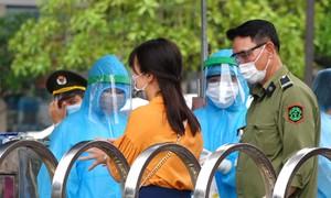 Thắt chặt an ninh Bệnh viện Bạch Mai
