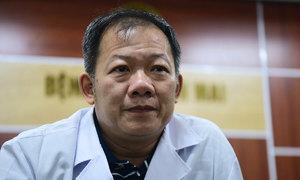 Bệnh viện Bạch Mai gặp khó vì bác sĩ bị cách ly