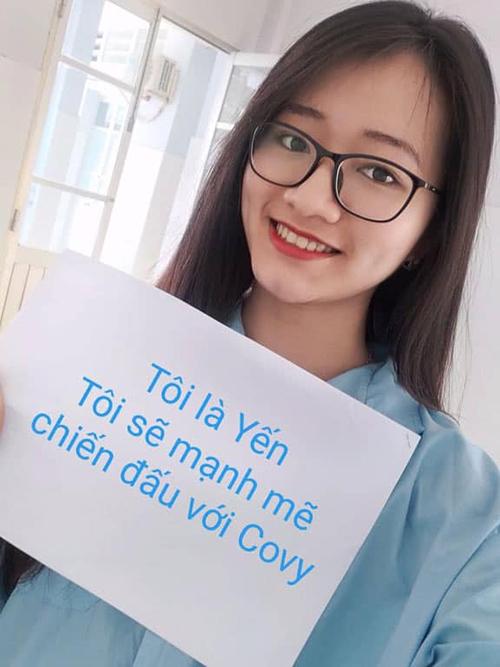 Bệnh nhân 155 tự chụp ảnh với thông điệp chống Covid-19. Ảnh: Thành đoàn Hà Nội.