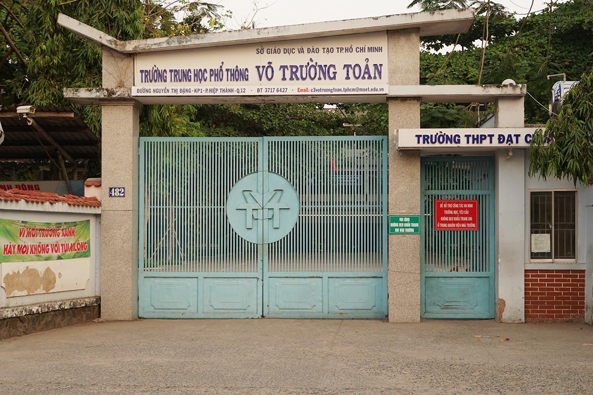 Các trường học ở Sài Gòn tiếp tục đóng cửa vì dịch Covid-19 ngày càng phức tạp. Ảnh: Mạnh Tùng.