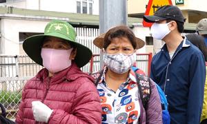 Bệnh nhân xếp hàng chạy thận ở Bạch Mai