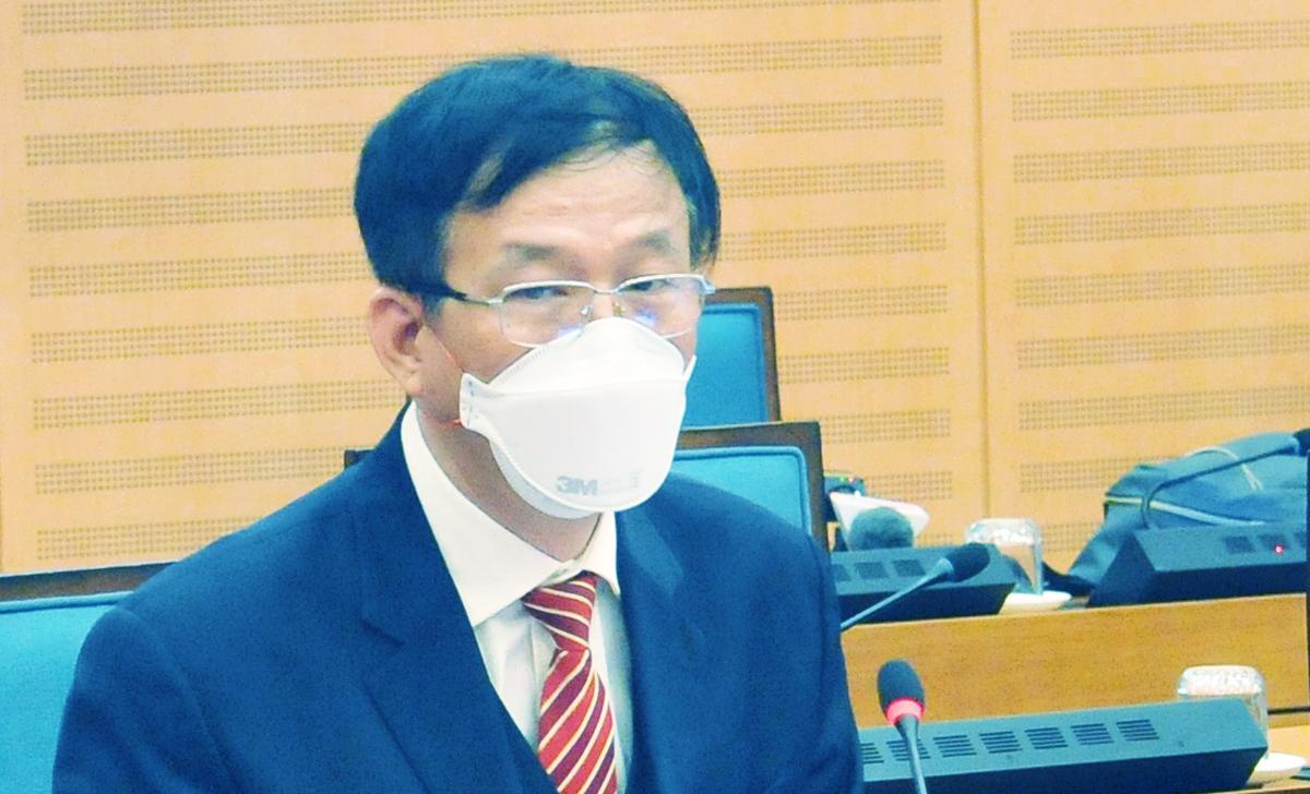 Chủ tịch Hội đồng quản lý bệnh viện Bạch Mai Ngô Quý Châu tại cuộc họp sáng 30/3. Ảnh: Công Thọ.