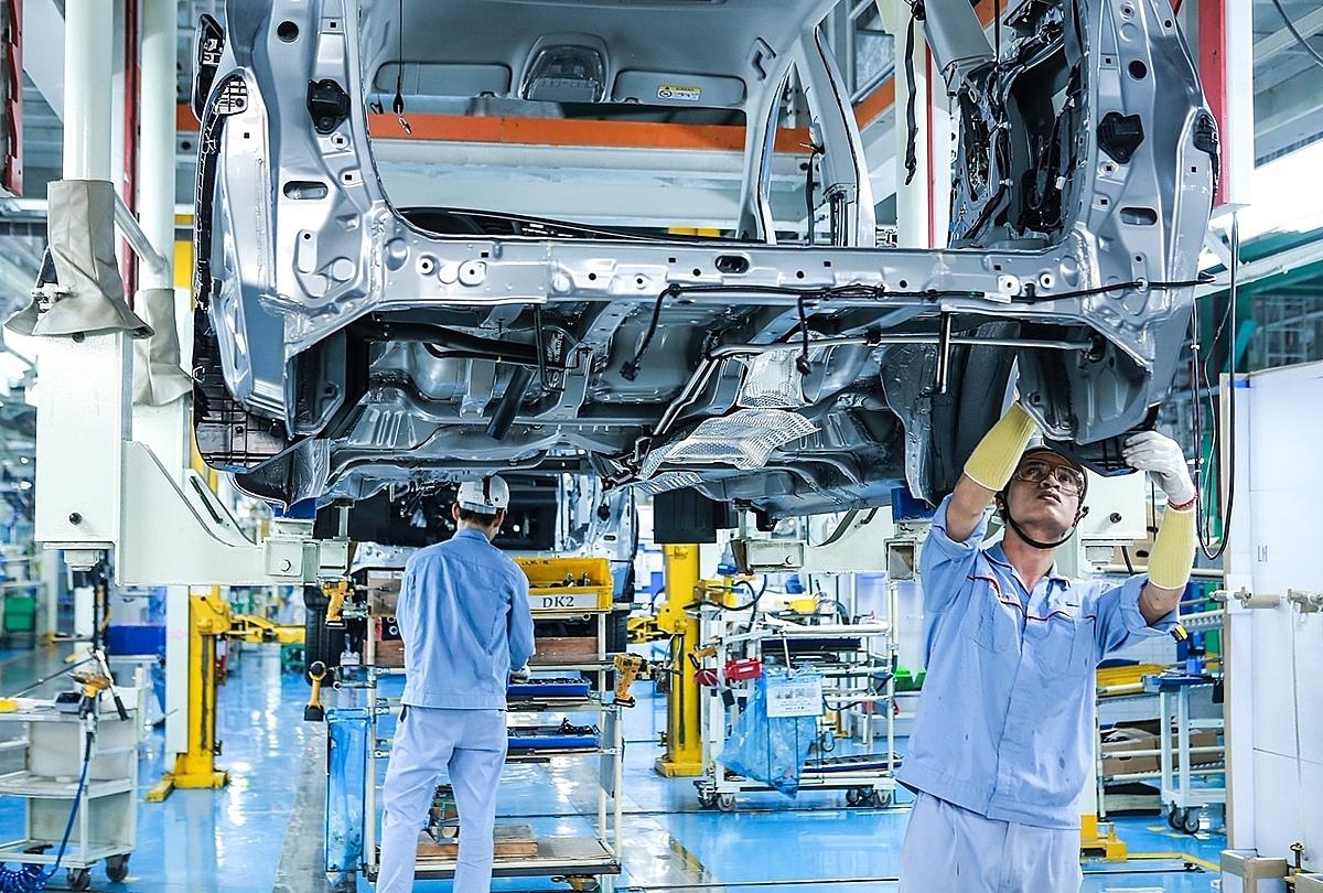 Bên trong nhà máy Toyota ở Vĩnh Phúc. Ảnh: Toyota