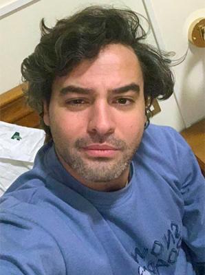 Napoli selfie tại khách sạn ở Rome dành cho các bệnh nhân hồi phục hôm 29/3. Ảnh: AP