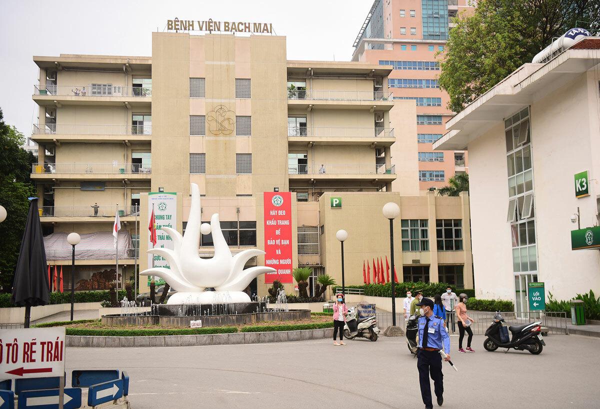 Bệnh viện Bạch Mai, Hà Nội sau lệnh cách ly ngày 28/3. Ảnh: Giang Huy