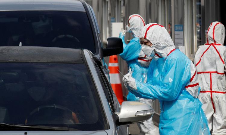 Một điểm xét nghiệm nCoV lưu động tại Hàn Quốc. Ảnh: AFP.