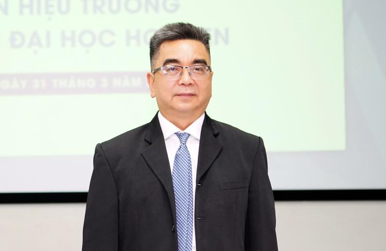 PGS Nguyễn Ngọc Điện tại lễ công bố tân Hiệu trưởng Đại học Hoa Sen sáng 31/3. Ảnh: Đại học Hoa Sen.