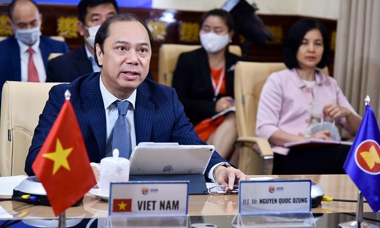Thứ trưởng Ngoại giao Nguyễn Quốc Dũnghội nghị trực tuyến liên ngành quan chức cấp cao ASEAN - Mỹ hôm nay. Ảnh: Bộ Ngoại giao.