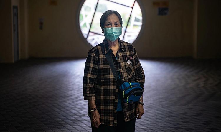 Bà Park Shuk-chun tại nhà ở công cộng ở Hong Kong hôm 24/3. Ảnh: Washington Post.