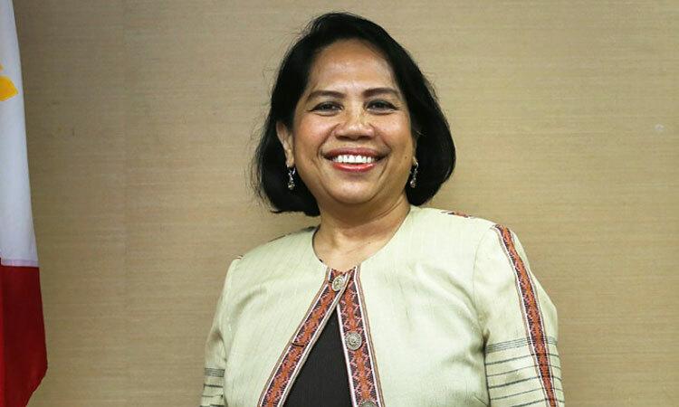 Bà Catalla trong thời gian làm tổng lãnh sự Philippines ở Hong Kong năm 2015. Ảnh: SCMP.