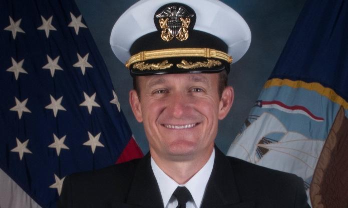 Hạm trưởng Crozier hồi năm 2019. Ảnh: US Navy.