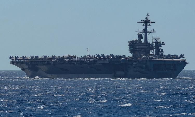 USS Theodore Roosevelt di chuyển trên Thái Bình Dương hồi tháng 2. Ảnh: US Navy.