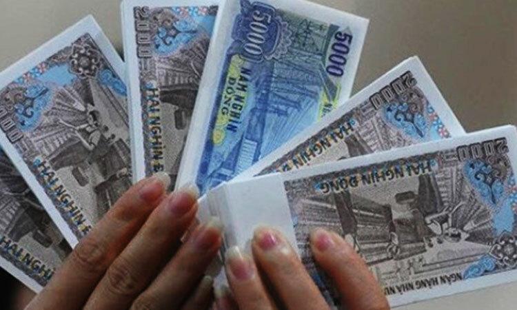 Chọn 6 tờ tiền với 3 mệnh giá khác nhau sao cho tổng bằng 100 nghìn