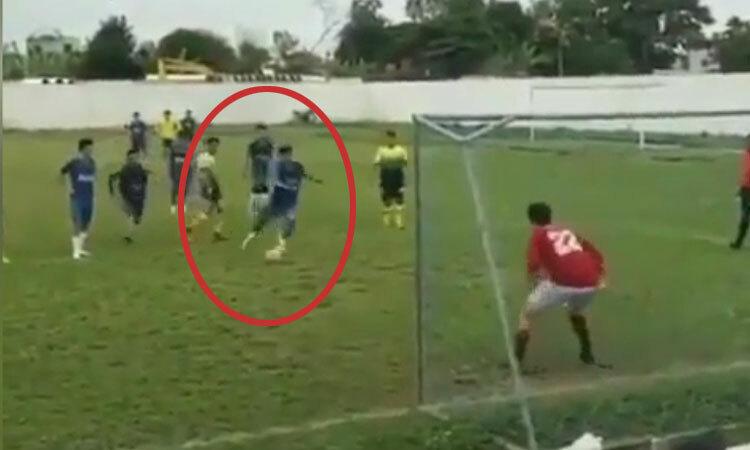 Phối hợp đá penalty đánh lừa cả thế giới