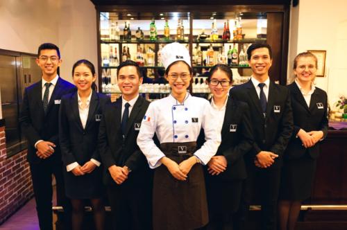 Sinh viên HSU có bốn đến sáu tháng thực tập tại khách sạn, khu nghỉ dưỡng bốn,năm saoquốc tế tại Việt Nam và nước ngoài.