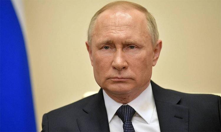 Tổng thống Nga Vladimir Putin trong buổi thông báo truyền hình ngày 2/4. Ảnh: TASS.