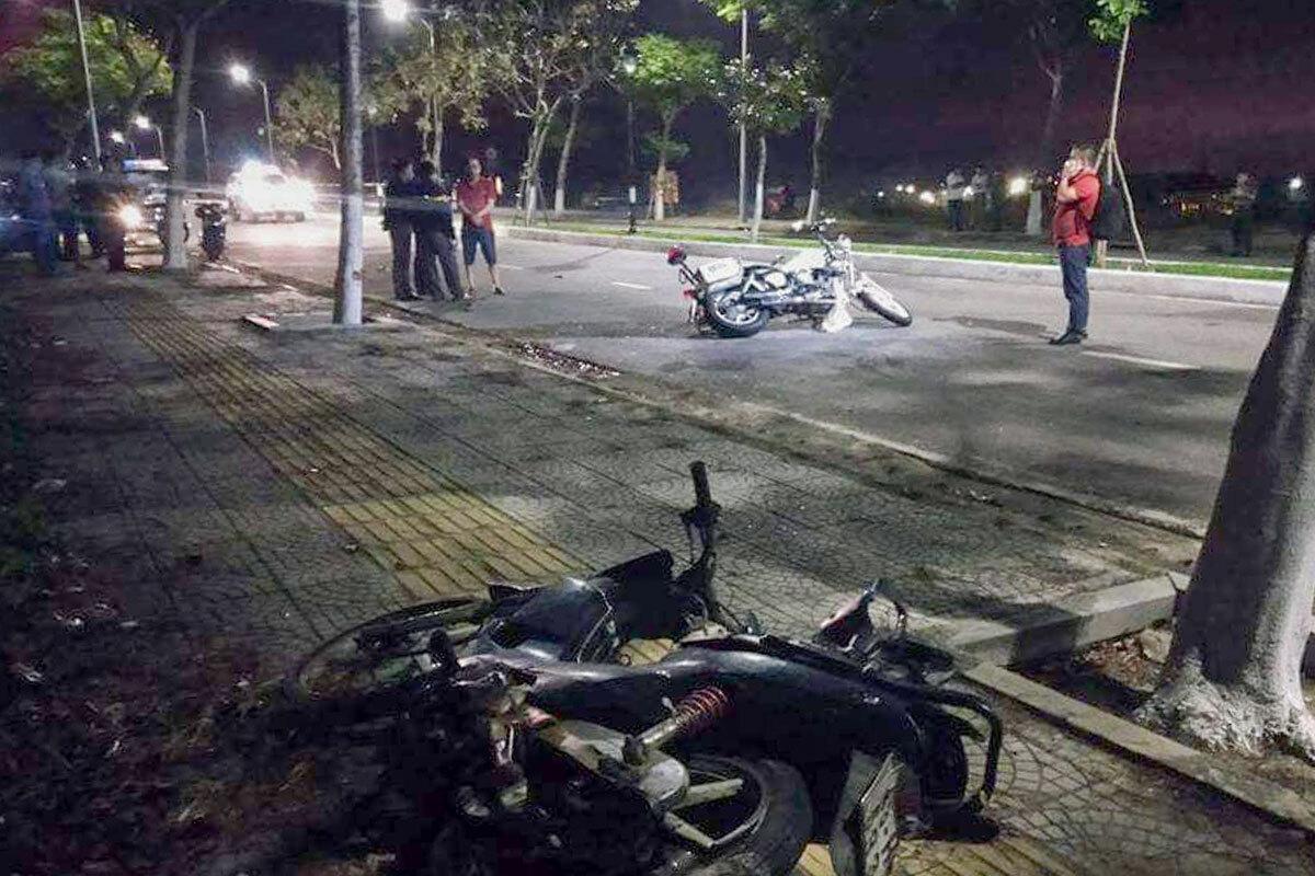 Hai cảnh sát hy sinh khi truy đuổi nhóm đua xe