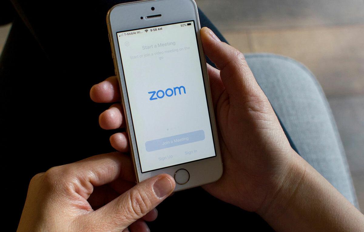 Phần mềm Zoom có thể tạo cuộc gọi nhóm tối đa 100 người. Ảnh: Shutterstock.
