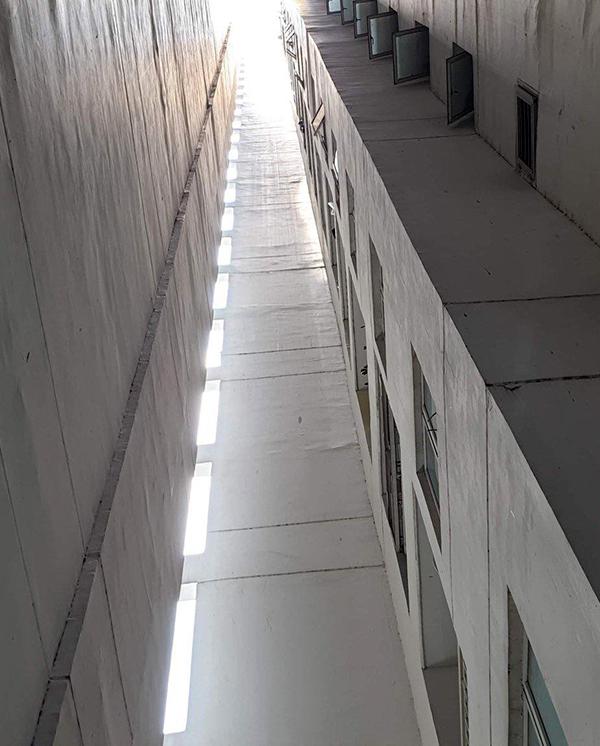 Giếng trời Block D2 chung cư New Sài Gòn. Ảnh: Tam Nguyên.