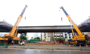 Cầu cạn Mai Dịch - Nam Thăng Long sắp hoàn thiện lắp dầm