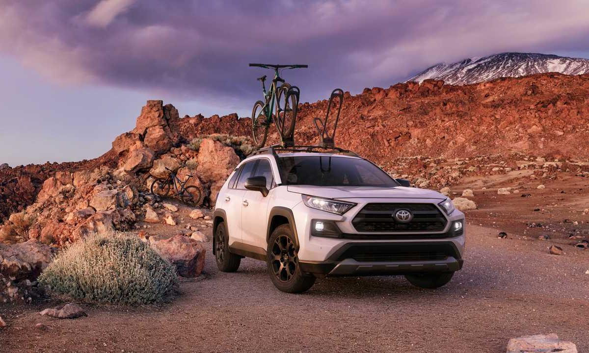 RAV4 bán 97.631 xe, tăng 16,5%. Ảnh: Toyota.