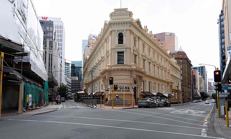 Khu phố tài chính sầm uấtWellington không bóng người hôm 26/3. Ảnh: AFP.