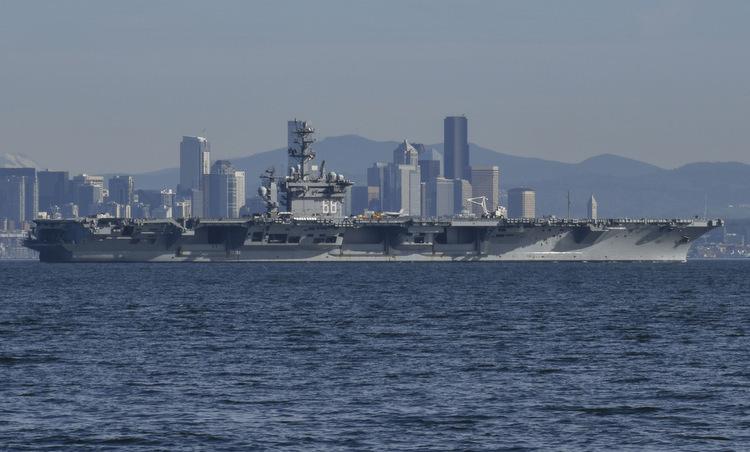Tàu USS Nimitz về cảng nhà ở bang Washington hồi tháng 2. Ảnh: US Navy.