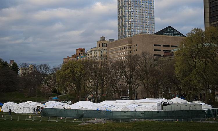 Bệnh viện dã chiến tại Công viên Trung tâm New York. Ảnh: Zuma Press.