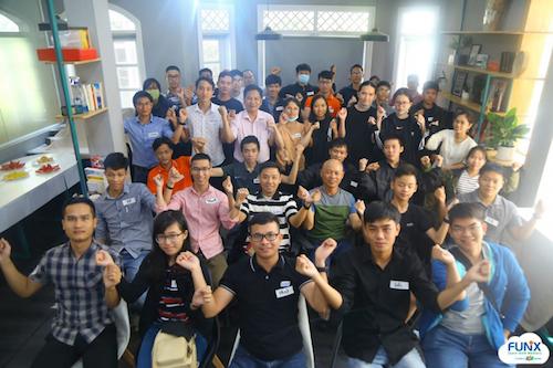 Trần Bảo Ngân thường xuyên tham gia các sự kiện do FUNiX tổ chức để giao lưu, học hỏi cùng các anh chị đi trước và mentor...