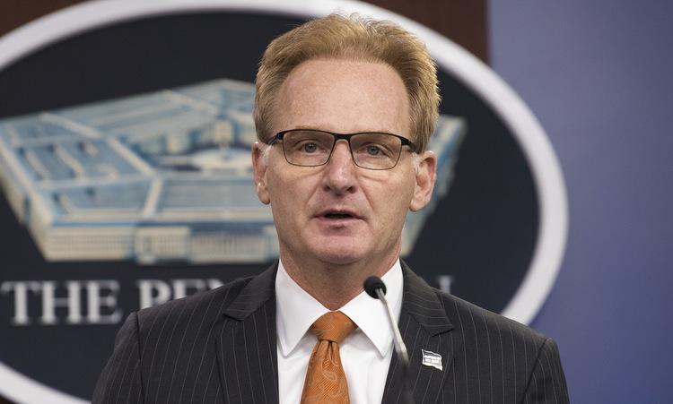 Quyền Bộ trưởng Modly họp báo tại Lầu Năm Góc hôm 2/4. Ảnh:Bộ Quốc phòng Mỹ.