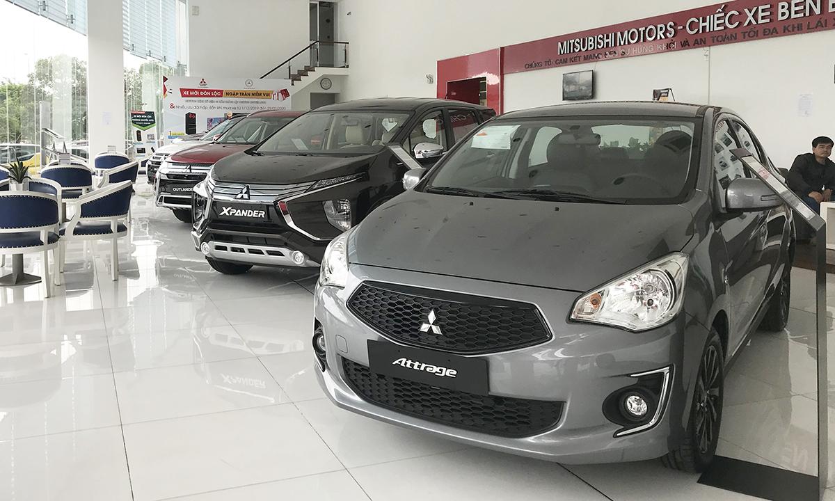 Một showroom trưng bày xe Mitsubishi tại TP HCM. Ảnh: Thành Nhạn