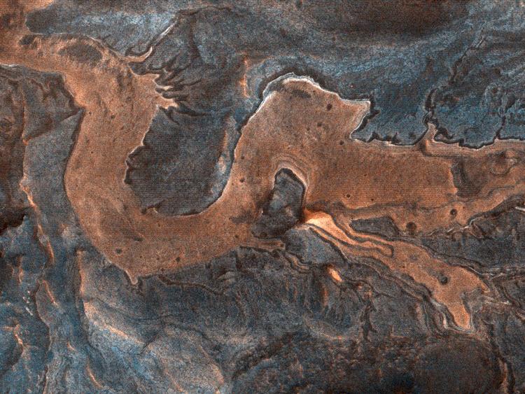 Hẻm núiMelas Chasma trên bề mặt hành tinh đỏ. Ảnh: NASA.