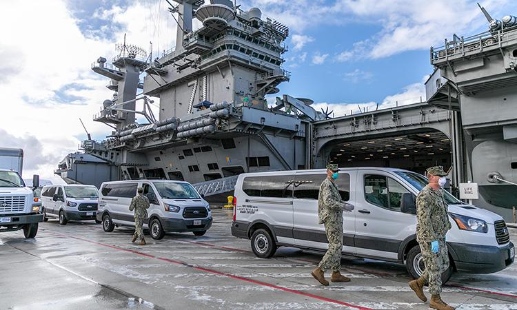 Tàu sân bay USS Theodore Roosevelt neo tại cảng Guam đầu tháng này. Ảnh: Hải quân Mỹ.