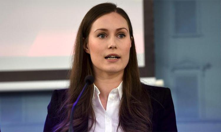 Thủ tướng Phần Lan Sanna Marin tại cuộc họp báo công bố các biện pháp mới chống Covid-19 ở thủ đô Helsinki, hôm 16/3. Ảnh: AFP