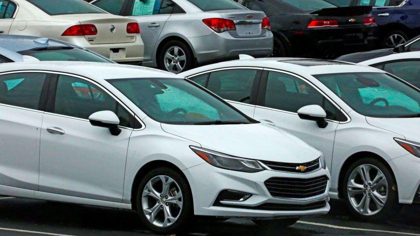 Giá xe cũ lao dốc, thị trường ôtô chìm trongảm đạm