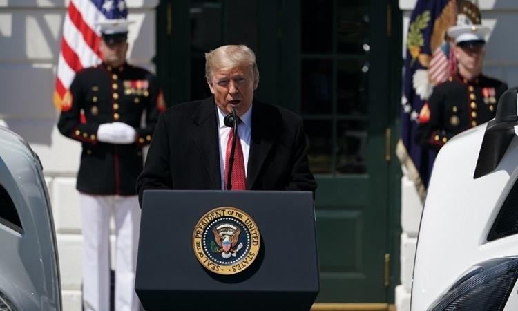 Tổng thống Mỹ Donald Trump phát biểu tại Nhà Trắng ngày 16/4. Ảnh: AFP.