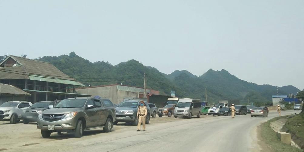 Một trạm kiểm soát ở Lóng Luông.