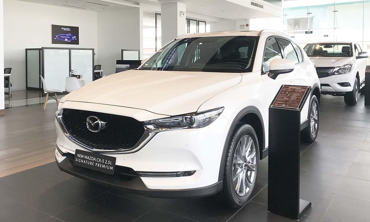 Mazda CX-5 tại một đại lý ở quận Thủ Đức, TPHCM. Ảnh: Thành Nhạn