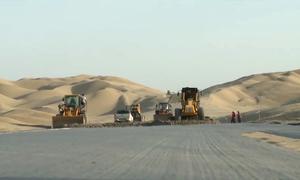 Trung Quốc nối lại xây dựng đường cao tốc xuyên sa mạc